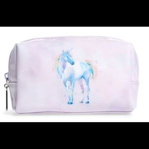Unicorn cosmetic case adds fantasy to life.